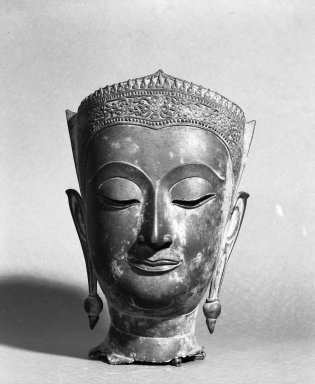 Head of a Buddha, 16th century. Bronze, 11 13/16 x 8 1/8 x 8 in. (30 x 20.6 x 20.3 cm). Brooklyn Museum, Brooklyn Museum Collection, 33.156. Creative Commons-BY