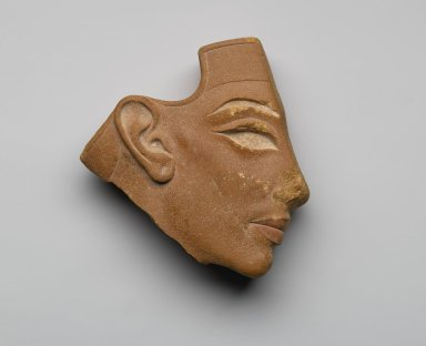 Inlay Profile Head, ca. 1353-1336 B.C.E. Red quartzite, paint, 4 5/8 x 4 7/16 x 1 11/16 in. (11.8 x 11.2 x 4.3 cm). Brooklyn Museum, Gift of the Egypt Exploration Society, 33.685. Creative Commons-BY