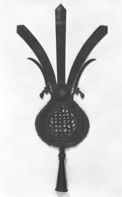Ceremonial Standard Head, 18th century. Brass, L: 20 3/8 in. (51.8 cm). Brooklyn Museum, Brooklyn Museum Collection, 34.114. Creative Commons-BY