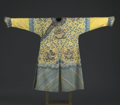 Emperor's Robe with Buttons, Early 19th century. Silk kesa with silk embroidery and brass buttons, armpit to armpit: 26 3/8 x 55 1/2 in. (67 x 141 cm). Brooklyn Museum, Brooklyn Museum Collection, 34.1475. Creative Commons-BY