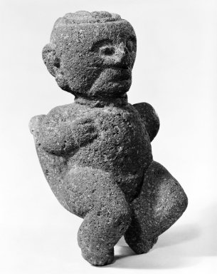 Squatting Male Figure. Volcanic Stone, 2 1/2 x 4 x 5 in. (6.4 x 10.2 x 12.7 cm). Brooklyn Museum, Alfred W. Jenkins Fund, 34.5044. Creative Commons-BY