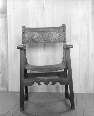 Chair, 16th century. Walnut, leather, 40 x 26 1/4 x 23 1/2 in. (101.6 x 66.7 x 59.7 cm). Brooklyn Museum, Gift of Mary Babbott Ladd, Lydia Babbott Stokes, and Frank L. Babbott, Jr. in memory of their father Frank L. Babbott, 34.846.3. Creative Commons-BY