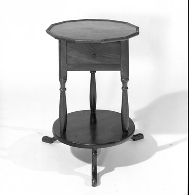 American. Bedside Table, ca. 1750., 27 15/16 x 19 1/8 in. (71 x 48.5 cm). Brooklyn Museum, Museum Purchase Fund, 35.1042. Creative Commons-BY