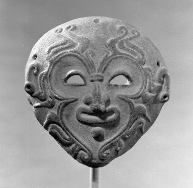 Bahía. Mask, 500 B.C.E.-500 C.E. Ceramic, 5 3/8 x 5 1/8 in.  (13.7 x 13.0 cm). Brooklyn Museum, Charles Stewart Smith Memorial Fund, 35.1860. Creative Commons-BY