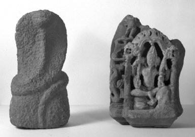 Uneven Fragment, 10th century. Limestone, 11 13/16 x 9 1/16 in. (30 x 23 cm) with base. Brooklyn Museum, Brooklyn Museum Collection, 35.1956. Creative Commons-BY