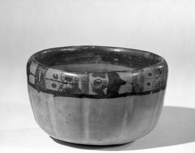Maya. Bowl. Pottery Brooklyn Museum, A. Augustus Healy Fund, 35.652. Creative Commons-BY