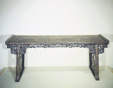 Altar Table, ca. 1600, with 18th-century restoration. Lacquered wood, inlaid with mother-of-pearl, 34 3/4 x 25 3/16 x 86 5/8 in. (88.2 x 64 x 220 cm). Brooklyn Museum, Brooklyn Museum Collection, 37.213. Creative Commons-BY