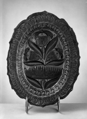 Tonala. Tray. Pottery Brooklyn Museum, Frank Sherman Benson Fund and the Henry L. Batterman Fund, 37.2946PA. Creative Commons-BY