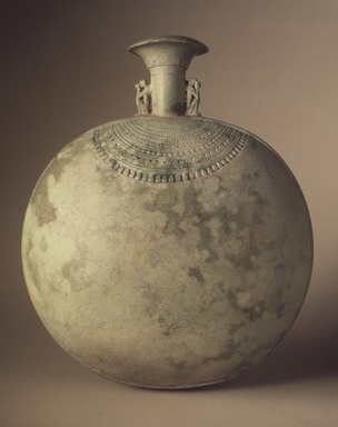 Pilgrim Flask. Faience Brooklyn Museum, Charles Edwin Wilbour Fund, 37.337E. Creative Commons-BY