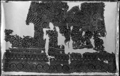 Fostat Textile Fragment, 12th-15th century. Printed cotton, 19 11/16 x 23 5/8 in. (50 x 60 cm). Brooklyn Museum, Charles Edwin Wilbour Fund, 38.849. Creative Commons-BY