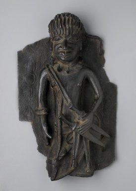 Edo. Plaque Fragment, mid 16th-17th century. Copper alloy, 11 3/8 x 7 1/8 in.  (28.9 x 18.1 cm). Brooklyn Museum, Alfred W. Jenkins Fund, 39.113. Creative Commons-BY