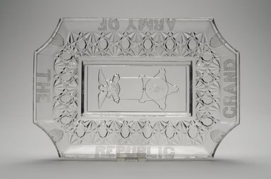 American. Platter (Grand Army of the Republic), late 19th century. Glass, 1 1/2 x 7 5/8 x 11 1/4 in. (3.8 x 19.4 x 28.6 cm). Brooklyn Museum, Gift of Mrs. William Greig Walker by subscription, 40.222. Creative Commons-BY