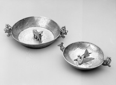 Bowl with Loop Handles. Silver, 1 5/16 x 4 1/4 x 2 7/8 in. Brooklyn Museum, Museum Expedition 1941, Frank L. Babbott Fund, 41.1275.282. Creative Commons-BY