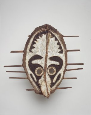 Namau. Mask (Kanipu), late 19th or early 20th century. Cane, bark cloth, wood, leaves, cordage, feathers, pigment, 17 1/2 x 18 3/4 x 4 1/2 in. (44.5 x 47.6 x 11.4 cm). Brooklyn Museum, By exchange, 42.114.16. Creative Commons-BY