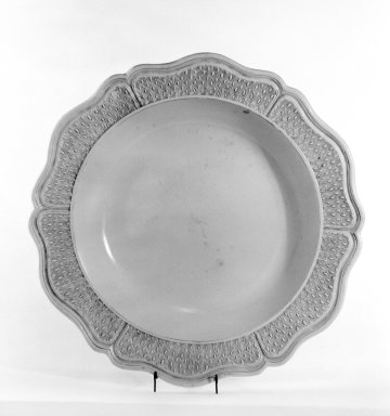 Plate. Glazed stoneware, 2 3/4 x 17 1/4 in. (7 x 43.8 cm). Brooklyn Museum, Gift of George W. Davison, 42.116. Creative Commons-BY