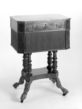 Duncan Phyfe (1768-1854). Sewing Table. Brooklyn Museum, Anonymous gift, 42.118.15. Creative Commons-BY