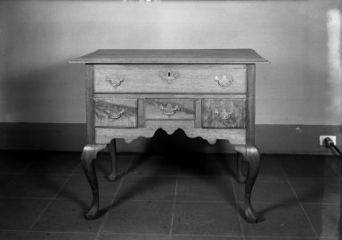 American. Queen Anne Lowboy. Walnut Brooklyn Museum, Anonymous gift, 42.118.1. Creative Commons-BY
