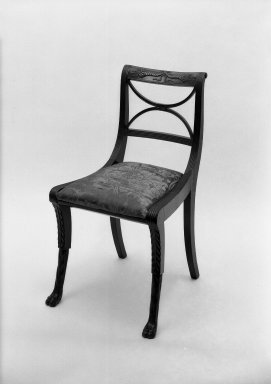 Duncan Phyfe (1768-1854). Side Chair. Brooklyn Museum, Anonymous gift, 42.118.5. Creative Commons-BY
