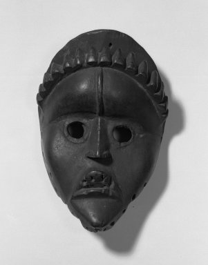 Dan. Mask, 19th century. Wood, 8 1/2 x 5 3/4 x 4 1/4 in. (21.6 x 14.6 x 10.8 cm). Brooklyn Museum, Gift of Arthur Wiesenberger, 43.177.8. Creative Commons-BY