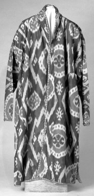 Robe. Silk Brooklyn Museum, Gift of the Estate of Ida Jacobus Grant, 44.116.1. Creative Commons-BY