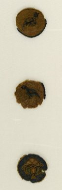 Coptic. Roundel - Crested Bird, 5th-6th century C.E. Textile; wool, approx. diameter: 1 3/4 in. (4.5 cm). Brooklyn Museum, Gift of Professor Percy E. Newberry, 44.161.1. Creative Commons-BY