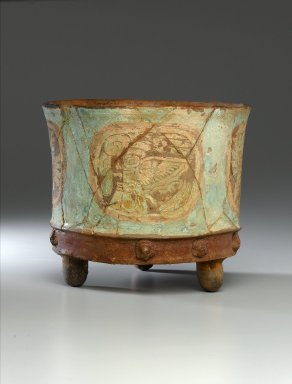 Teotihuacan. Tripod Jar, ca. 800 C.E. Clay, pigment, 7 1/2 x 9 x 9 in. (19.1 x 22.9 x 22.9 cm). Brooklyn Museum, Charles Stewart Smith Memorial Fund, 44.189. Creative Commons-BY