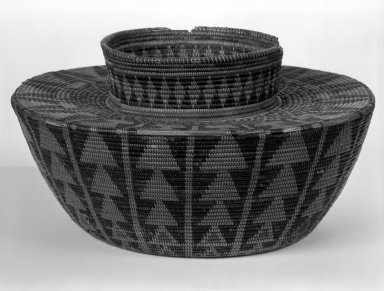 Mission Indians (Native American). Imbricated Basket. Fiber Brooklyn Museum, Museum Expedition 1944, Purchased with funds given by the Estate of Warren S.M. Mead, 44.195.31. Creative Commons-BY