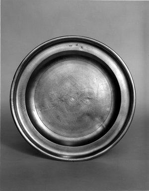 Nathaniel Austin. Plate, 1763-1807. Pewter, 5/8 x 8 3/4 x 8 3/4 in. (1.6 x 22.2 x 22.2 cm). Brooklyn Museum, Designated Purchase Fund, 45.10.11. Creative Commons-BY
