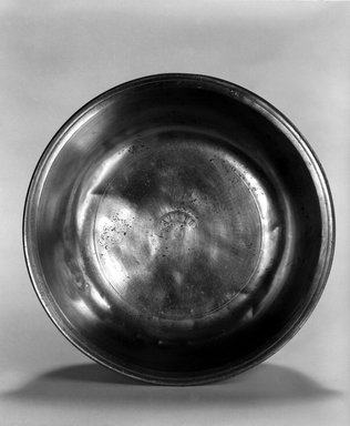 Nathaniel Austin. Basin, 1763-1807. Pewter, 2 x 8 1/8 x 8 1/8 in. (5.1 x 20.6 x 20.6 cm). Brooklyn Museum, Designated Purchase Fund, 45.10.15. Creative Commons-BY