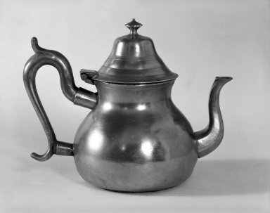 Timothy Brigden. Teapot. Brooklyn Museum, Designated Purchase Fund, 45.10.160. Creative Commons-BY