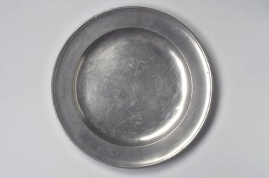 William J. Elsworth. Dish, 1767-1796. Pewter, 1 1/8 x 15 x 15 in. (2.9 x 38.1 x 38.1 cm). Brooklyn Museum, Designated Purchase Fund, 45.10.171. Creative Commons-BY