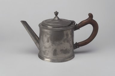 Teapot, 18th century. Pewter, 5 7/8 x 9 7/8 x 4 7/8 in. (14.9 x 25.1 x 12.4 cm). Brooklyn Museum, Designated Purchase Fund, 45.10.209. Creative Commons-BY