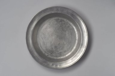 James Porter. Dish, 1795-1803. Pewter, 1 1/2 x 13 1/8 x 13 1/8 in. (3.8 x 33.3 x 33.3 cm). Brooklyn Museum, Designated Purchase Fund, 45.10.50. Creative Commons-BY