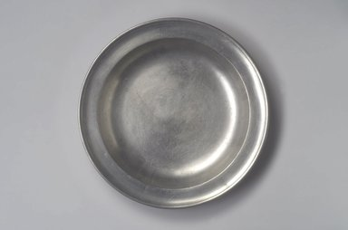 Jacob Whitmore. Deep Dish, 1758-1790. Pewter, 1 5/8 x 13 1/4 x 13 1/4 in. (4.1 x 33.7 x 33.7 cm). Brooklyn Museum, Designated Purchase Fund, 45.10.59. Creative Commons-BY