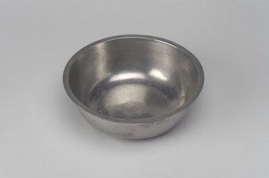 Josiah Danforth. Basin, 1825-1837. Pewter, 2 x 5 7/8 x 5 7/8 in. (5.1 x 14.9 x 14.9 cm). Brooklyn Museum, Designated Purchase Fund, 45.10.61. Creative Commons-BY