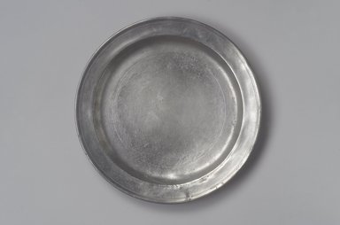 Amos Treadway. Dish, 1760-1793. Pewter, 1 1/8 x 11 1/4 x 11 1/4 in. (2.9 x 28.6 x 28.6 cm). Brooklyn Museum, Designated Purchase Fund, 45.10.63. Creative Commons-BY