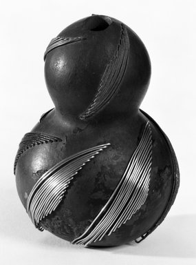 Zulu. Snuff Container, late 19th century. Gourd, metal, 4 x 2 8/16 in. (10.2 x 7.0 cm). Brooklyn Museum, Gift of Mrs. Herman Eggers, 45.125.5. Creative Commons-BY
