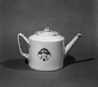 Teapot. Porcelain Brooklyn Museum, Anonymous gift, 45.7.43a-b. Creative Commons-BY
