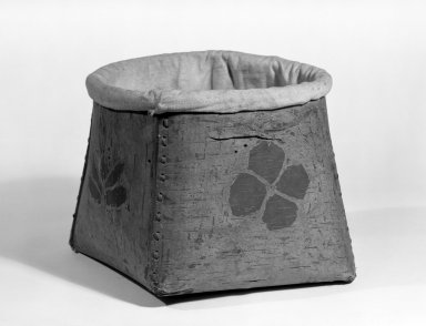 Cree (Native American). Bucket with Cloth Top. Birch bark, cloth, sinew, 7 11/16 x 8 1/4 x 9 13/16 in.  (19.5 x 21.0 x 25.0 cm). Brooklyn Museum, By exchange, 46.100.25. Creative Commons-BY