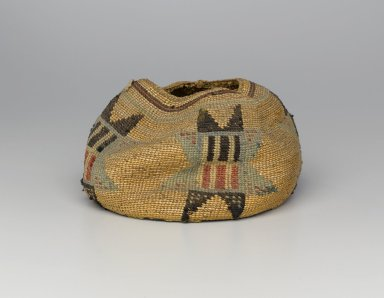 Wasco (Native American). Globular Basket with Star Patterns, late 19th or early 20th century. Corn husks, wool, 4 5/16 x 7 1/16 x 7 1/16 in. (11 x 17.9 x 17.9 cm). Brooklyn Museum, Charles Stewart Smith Memorial Fund, 46.193.4. Creative Commons-BY