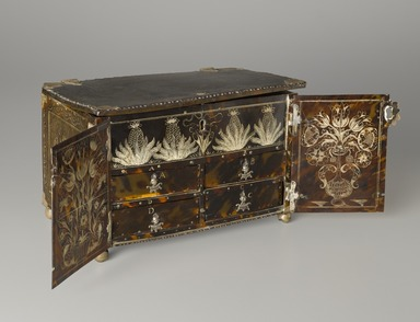 Casket or Small Cabinet, 1677. Tortoise shell, silver, Closed: 6 7/8 x 10 1/8 x 6 1/4 in. (17.5 x 25.7 x 15.9 cm). Brooklyn Museum, Carll H. de Silver Fund, 47.116.1. Creative Commons-BY
