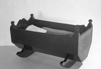 Cradle, early 18th century. Pine and maple wood, 18 1/4 x 34 x 17 1/2 in. (46.4 x 86.3 x 44.4 cm). Brooklyn Museum, Gift of Grace Kouwenhoven, 47.150. Creative Commons-BY