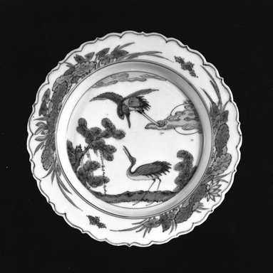 Plate, 1368-1644. Porcelain with underglaze, 5/8 x 5 3/4 in. (1.6 x 14.6 cm). Brooklyn Museum, Henry L. Batterman Fund, 47.201. Creative Commons-BY