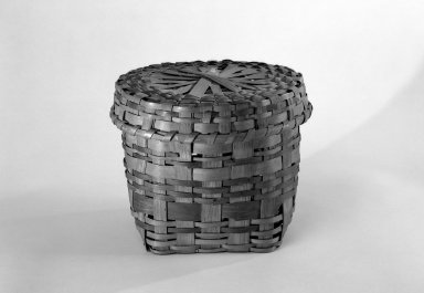 Canarsie. Cylindrical Basket and Round Cover, ca. 1804. Splints, 7 1/2 x 9 1/8 x 9 1/8 in. (19.1 x 23.2 x 23.2 cm). Brooklyn Museum, Gift of Mrs. Charles A. Ditmas, 48.150a-b. Creative Commons-BY