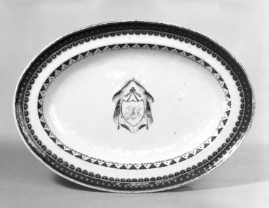Platter, 1790-1810. Porcelain Brooklyn Museum, Gift of Mrs. William Sterling Peters, 48.207.170. Creative Commons-BY