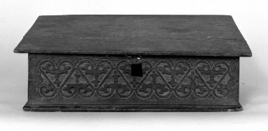 American. Desk Box, 1670. Pine, 9 x 14 3/8 x 26 3/4 in. (22.9 x 36.5 x 67.9 cm). Brooklyn Museum, Gift of Israel Sack, 49.227. Creative Commons-BY