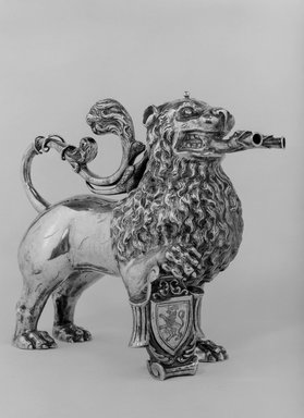 Aquamanile or Laver, 19th century. Silver, 9 x 11 1/2 x 1 in. (22.9 x 29.2 x 2.5 cm). Brooklyn Museum, Gift of Stephen Ensko, 50.5. Creative Commons-BY