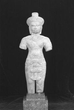 Standing Figure of a Male Deity, 12th century. Brown sandstone, 19 1/2 x 7 1/2 in. (49.6 x 19 cm). Brooklyn Museum, Museum Collection Fund, 51.237. Creative Commons-BY