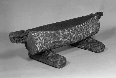 Drum (Garamut), 19th century. Wood, coir, pigment, 17 x 55 x 8 3/4 in. (43.2 x 139.7 x 22.2 cm). Brooklyn Museum, Carll H. de Silver Fund, 52.126a-c. Creative Commons-BY