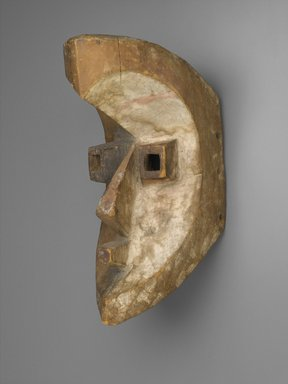 Possibly Kota (Mahongwe subgroup). Mask, late 19th century. Wood, pigment, 14 x 6 x 9 in. (35.6 x 15.2 x 22.9 cm). Brooklyn Museum, Frank L. Babbott Fund, 52.160. Creative Commons-BY